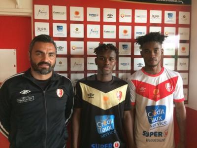 Junior (au centre) et Josué poteront les couleurs du Sporting