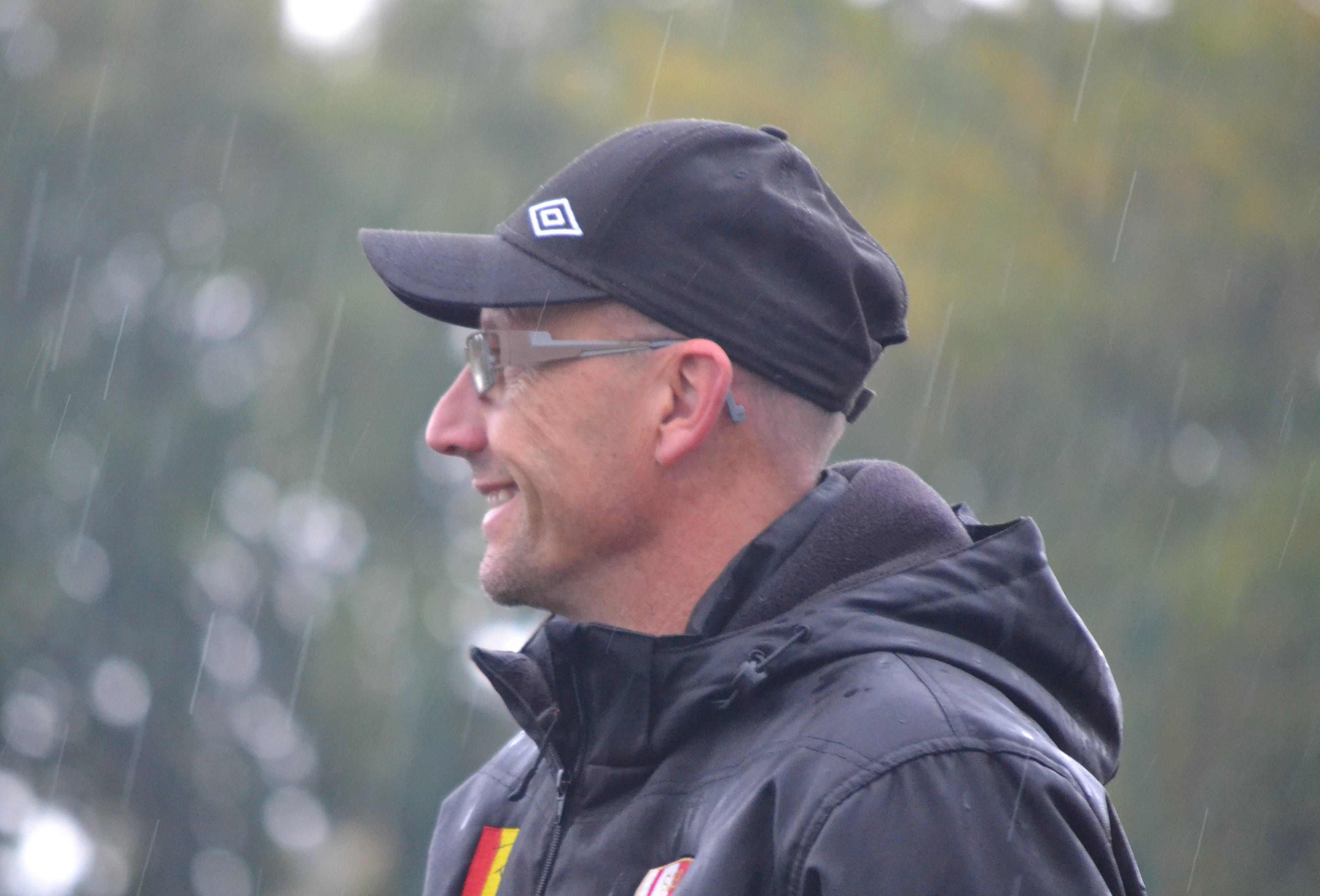 Notre arbitre sous la pluie avec nos U14