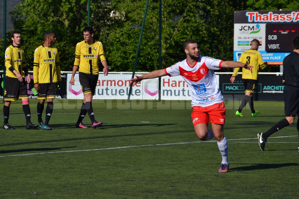 Avec trois buts en deux rencontres, Youcef Amer aura réussi avec ses coéquipiers à ramener le Sporting sur le quai du maintien
