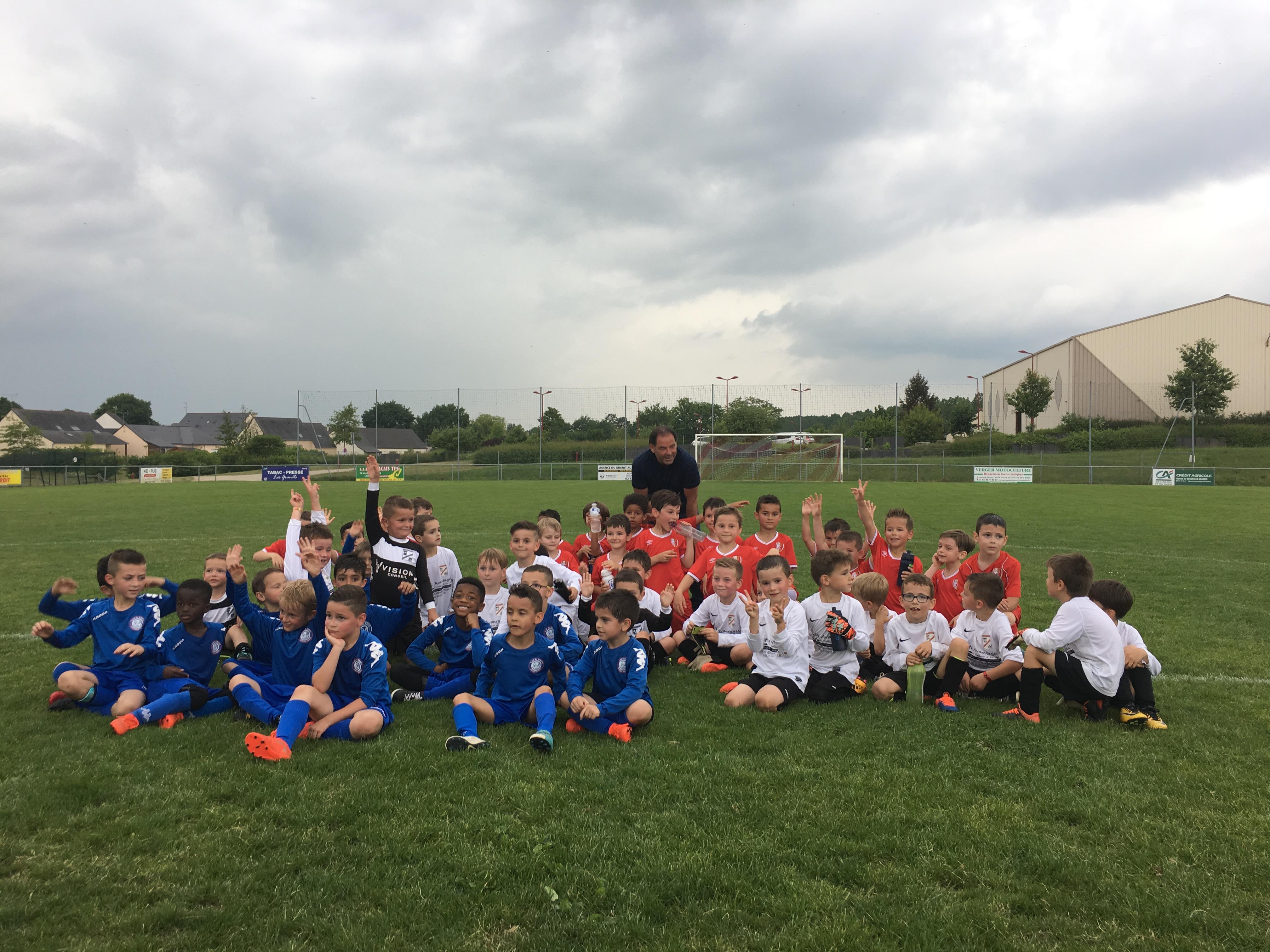 Merci à Stephane MOULIN, entraîneur du SCO d'Angers, pour ce moment partagé avec les enfants