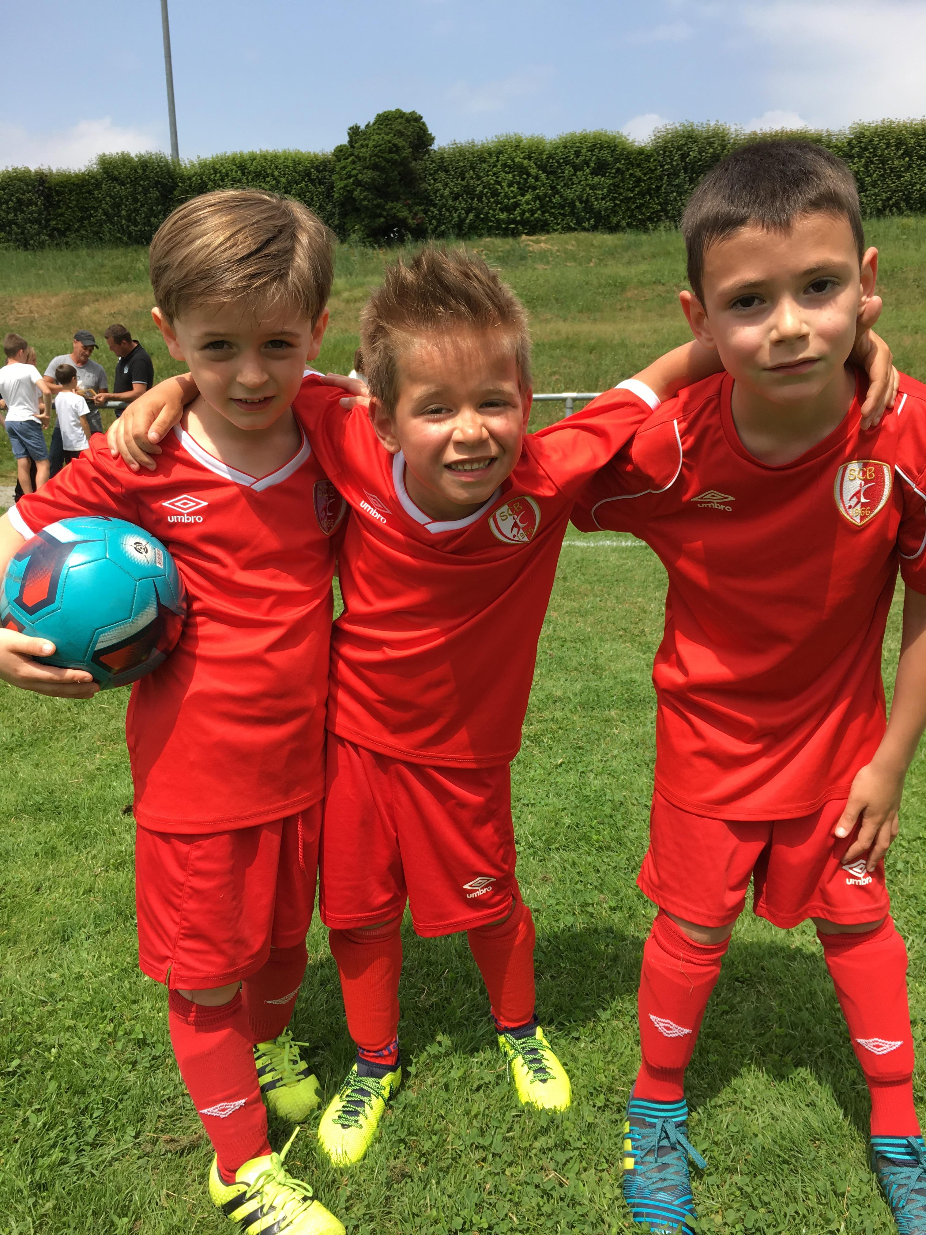 Pour maximiser le plaisir des enfants, les enfants composent eux-mêmes leur équipe : le PLAISIR avant tout.